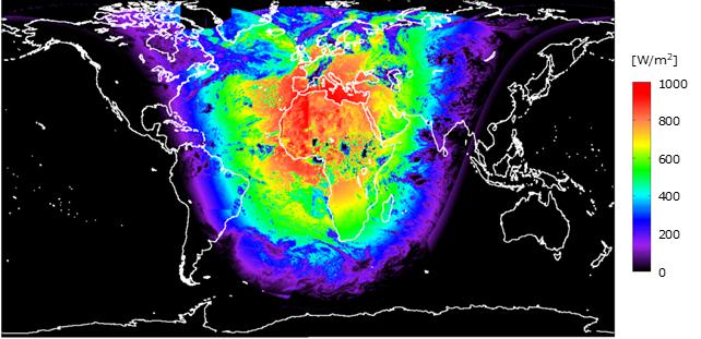 図:全球の推定日射量の例
