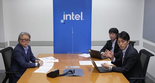 追加セッションの様子 インテル株式会社 飯田 誠一様(左)、 日本気象協会 吉川 茂幸(右奥)、榎本 佳靖(右手前)